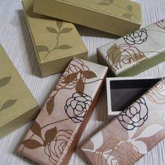 hanji,  handmade  korea paper craft  www.hanjihouse.com 펜케이스..한지공예  #한지공예.#한지조명.#한지하우스.#색지공예.#한지.#한지문양.#문양.#전통문양.#한옥조명.#한지스탠드.#인테리어.#한지공예.#한지와빛
