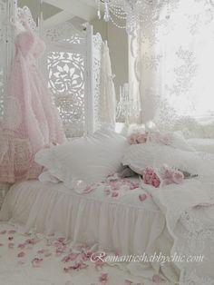Get Inspired Online - Fairytale Bedrooms - Romantic Homes