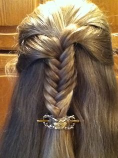 Fishtail half up with an extra small flexi. http://www.lillarose.biz/livinglifescentsibly
