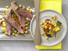 Safran-Kichererbsen mit Lamm - und Zucchini - smarter - Kalorien: 515 Kcal - Zeit: 20 Min. | eatsmarter.de