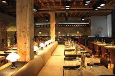 Cibo Wine Bar / King West -wood around pillars