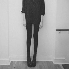 anorexia-black-black-and-white-bulimic