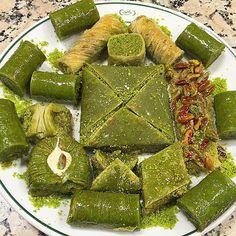 Fıstıklı Dürüm, Fıstıklı Şöbiyet Muska, Fıstıklı Padişah, Fıstıklı Kıvrım, Fıstıklı Saray Sarma, Fıstıklı Gelin Bohçası, Fıstıklı Ev Baklavası, Cimcik, Sarı Burma, Fıstıklı Ballı Kadayıf / Hafız Mustafa / Taksim, Sultanahmet, Sirkeci, Eminönü Fish And Meat, Fish And Seafood, Turkish Recipes, Ethnic Recipes, Chocolate Cake Designs, Turkish Sweets, Turkish Kitchen, Turkish Delight, Fresh Fruits And Vegetables