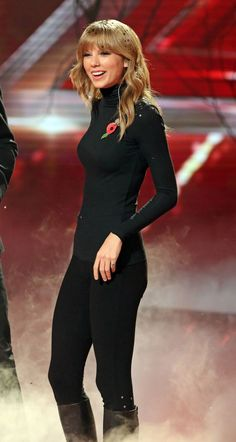 Taylor Swift is totally hot in black on the X Factor in Great Britain