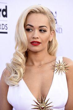 Rita Ora Stuns With Retro Glamour Beauty Look At Billboard Awards Dress Hairstyles, Hairstyle Look, Wedding Hairstyles, Bridesmaid Hair, Prom Hair, Wedding Hair And Makeup, Hair Makeup, Side Part Updo, Billboard Music Awards 2015