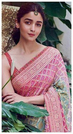 Alia Bhatt has been seen wearing one gorgeous Indian outfit after another for her movie promotions. Check all of Alia Bhatt's Indian Looks here with prices. Soft Silk Sarees, Chiffon Saree, Bandhani Saree, Cotton Saree, Lehenga Choli, Ethnic Outfits, Indian Outfits, Indian Clothes, Indian Designer Outfits