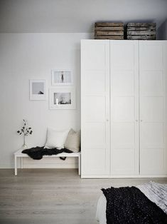 IKEA PAX wardrobe painted white instead of frosted glass Ikea Bedroom Furniture, Ikea Bedroom Storage, Ikea Storage, Bedroom Dressers, Closet Storage, Bedroom Doors, Ikea Bedroom White, Storage Ideas, Bed Ikea