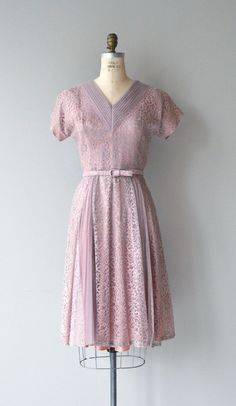 Vintage 1950s lavender lace dress with pleated V neckline, short sleeves, fitted waist, matching belt and metal zipper. --- M E A S U R E M E N T S ---  fits like: small bust: 36-37 waist: 27 hip: free length: 43 brand/maker: n/a condition: excellent  ✩ layaway is available for this item  To ensure a good fit, please read the sizing guide: http://www.etsy.com/shop/DearGolden/policy  ✩ more vintage dresses ✩ http://www.etsy.com/shop/DearGolden?section_id=5986725  ✩ visit the shop ✩…