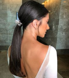 5 Easy Ponytail Hairstyles And Haircuts You Must Try : Try not to pass up on this brilliant chance of being well known at the phase of a pigtail haircut. Must go with any alternative of these imperial choices. Loose Hairstyles, Ponytail Hairstyles, Updo, Wedding Hairstyles, Hairstyle Ideas, Hairdos, Ponytail Ideas, Everyday Hairstyles, Bridal Ponytail