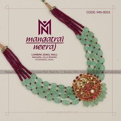 Vibrant Emerald Jewellery Sets That Can Take Your Breath Away Beaded Jewelry Designs, Gold Jewellery Design, Bead Jewellery, Jewelry Patterns, Latest Jewellery, Temple Jewellery, Diamond Jewellery, Emerald Jewelry, Pearl Jewelry