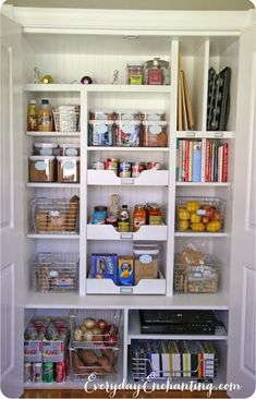 60 trendy kitchen pantry makeover tips Kitchen Pantry Storage, Corner Pantry, Diy Kitchen, Kitchen Small, Kitchen Ideas, Wall Pantry, Kitchen Corner, Pantry Closet, Pantry Diy