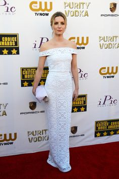 Annabelle Wallis, 2014 Critics' Choice Awards, Burberry Prorsum