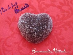 Pâte de fruits au cassis Vegetable Snacks, Healthy Candy, Thermomix Desserts, Gourmet Gifts, Mini Desserts, Fudge, Biscuits, Sweet Recipes, Food And Drink