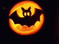 halloween tök ötletek - Google-keresés Pumpkin Carving, Halloween, Google, Pumpkin Carvings, Spooky Halloween