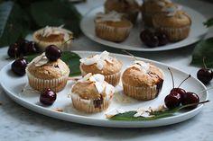 Fruchtige Kokos-Kirsch-Muffins