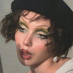 Edgy Makeup, Makeup Eye Looks, Grunge Makeup, Cute Makeup, Eyeshadow Looks, Pretty Makeup, Makeup Inspo, Makeup Art, Makeup Inspiration