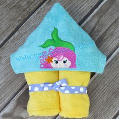 ITH Mermaid Peeker Applique Design for Hooded Towels