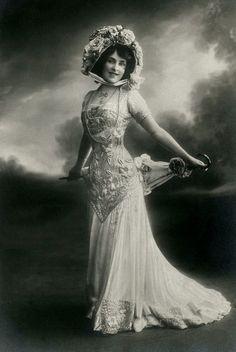 "carolathhabsburg: ""Miss Madge Lessing, Edwardian stage actress. 1900s. """