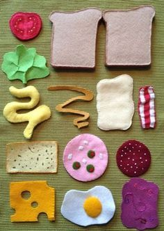 felt sandwich parts - pretend play food DIY Felt Diy, Felt Crafts, Craft Projects, Sewing Projects, Crafts For Kids, Craft Ideas, Sewing Ideas, Felt Books, Quiet Books