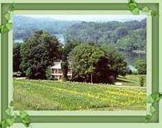 Persephone's Farm Retreat - Persephone's Farm Retreat and Guest houses, sit on the banks of the French Broad River. This historic site offers a peaceful escape within easy driving distance to major tourist attractions.