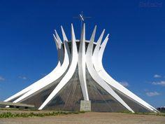 Brasília (Capital do Brasil)-Distrito Federal-Brasil.  Catedral de Brasília