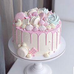 Getting Creative Amazing Cool and Beautiful Birthday Cakes Ideas 9 Vegan Breakfast Recipes, Vegan Recipes Easy, Cake Pops, Meringue Cake, Nutella Cake, Beautiful Birthday Cakes, Sugar Cookie Frosting, Beetroot Dip, Vegan Crackers