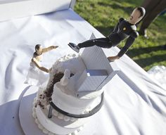 Parkour wedding cake!.. o god... my man is not allowed to see this haha