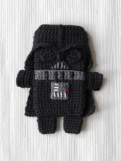 Ravelry: Star Wars - Darth Vader - iPhone 5 case (cozy, sleeve, cover) pattern by Anna Vozika
