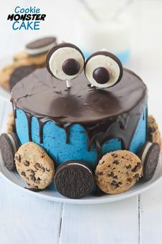 Cookie Monster Cake with sour cream pound cake, cookie dough filling, cookies n'cream buttercream and chocolate ganache.
