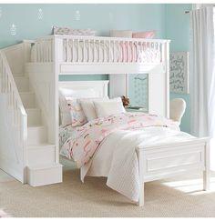 kleines kinderzimmer mit dachschr ge wei streichen und optisch vergr ern dachboden. Black Bedroom Furniture Sets. Home Design Ideas