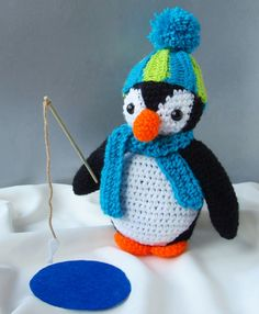 Amigurumi Oscar the Penguin Crochet Pattern Crochet Fish, Crochet Animals, Crochet Crafts, Yarn Crafts, Crochet Projects, Crochet Amigurumi, Crochet Toys, Knit Crochet, Crochet Christmas Stocking Pattern