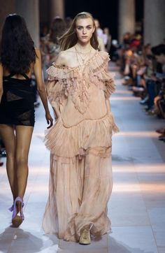 Watch the fashion show of the new Women's Spring Summer Collection and get inspired by the new Roberto Cavalli trends.
