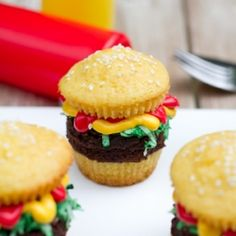 Hamburger Cupcakes look like the favorite cook out meal, but taste like cupcakes!