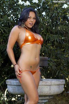 Adriana Luna