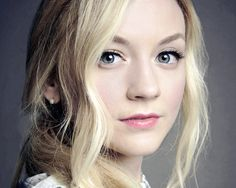 this girl is a perfect example of talent and doing what you love. She played Beth Greene on The Walking Dead and sings. She has such a soft and beautiful voice and speaks from her heart when she sings and you can tell. Beth Greene, The Cw, Emmy Kinney, Walking Dead Girl, Emily Vancamp, Star Wars, Beautiful People, Beautiful Voice, Beautiful Eyes
