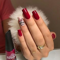 💅Marque a Amiga que gosta de Unhas 😍 😱Amiga quer Ter Unhas Lindas? ⭕Métodos 💅-Como parar de Roer Unhas 💅-Como Nutrir e Fortalecer as Unhas… Holiday Nail Art, Christmas Nail Art Designs, Christmas Nails, Perfect Nails, Gorgeous Nails, Pretty Nails, Red Nails, Love Nails, Hair And Nails