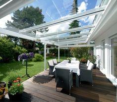 3-bioclimatique-veranda-bioclimatique-terasse-fabricant-veranda-sol-en-parquet-en-bois-foncé