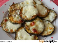 Cukety na plechu Vegetable Recipes, Vegetarian Recipes, Cooking Recipes, Healthy Recipes, Avocado Egg, Italian Recipes, Zucchini, Food And Drink, Low Carb