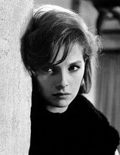 Italian actress, Virna Lisi. Stunning!