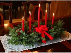 6 Festive Holiday Centerpiece Ideas --> http://www.hgtvgardens.com/decorating/6-festive-holiday-centerpiece-ideas?s=4&soc=pinterest
