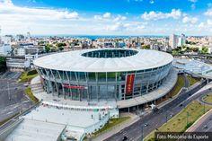 Arenas Sustentáveis Arena Fonte Nova  Por exigência do governo brasileiro, todas as 12 arenas da Copa do Mundo 2014 foram construídas, ou reformadas, tendo como regra rígidos padrões de sustentabilidade. Os financiamentos do BNDES para as arenas estavam condicionados à obtenção do padrão básico de certificação em construção sustentável.