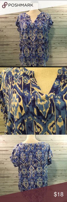 """+ Cynthia Rowley Top Cute blue & Cream printed top. 24"""" pit to pit, 25"""" length. Excellent condition Cynthia Rowley Tops"""