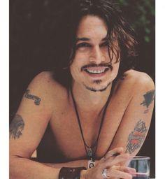 Tatouage sexy pour homme : les tatouages rock de Johnny Depp