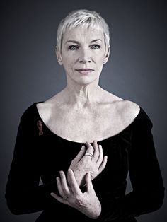 Annie Lennox is such a hot ticket! Absolutely amazing voice and a raw human talent. She embodies humanity in her style and grace! ❤️