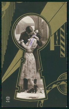 Art Deco photograph of flapper couple viewed through keyhole --  hand painted tinted c.1920s photo