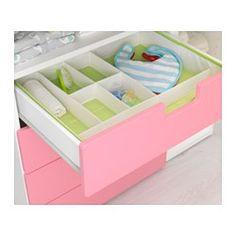 IKEA - STUVA, Table à langer 4 tir, blanc/rose, , Cette table à langer grandit en même temps que votre enfant et se transforme facilement en bureau ou en surface de jeu. Retournez la partie supérieure pour la transformer en bureau.Espace de rangement pratique à portée de main qui vous permet de toujours garder une main sur votre bébé.Ajustez l'espace en fonction de vos besoins grâce aux petites tablettes réglables à la hauteur souhaitée.