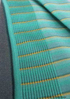 GRADUATE COLLECTION-FINAL FABRICS - gillianmurphy Knitting Designs, Knitting Stitches, Textile Patterns, Knitting Patterns, Knitwear Fashion, Knitting Accessories, Fabric Swatches, Knitted Fabric, Texture