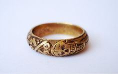 mourning ring w/memento mori motifs - circa Ancient Jewelry, Antique Jewelry, Vintage Jewelry, Antique Rings, Mourning Ring, Mourning Jewelry, Skull Jewelry, Jewelry Box, Jewelry Accessories
