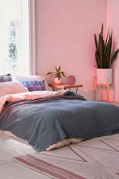 159a3a8df3d Waffled Bed Blanket - Urban Outfitters