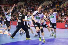 Die deutschen Handballer stehen bei der EM in Polen nach einem Krimi gegen Norwegen (34:33 n.V.) im Endspiel gegen Spanien. Die deutsche Sport-Prominenz fieberte mit und gratulierte bei Twitter. (3000×2000)